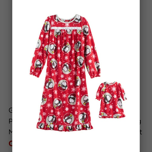 995530efa322 Snoopy Christmas nightgown set. NWT. Peanuts